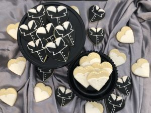 Try some of our wedding cookie favors