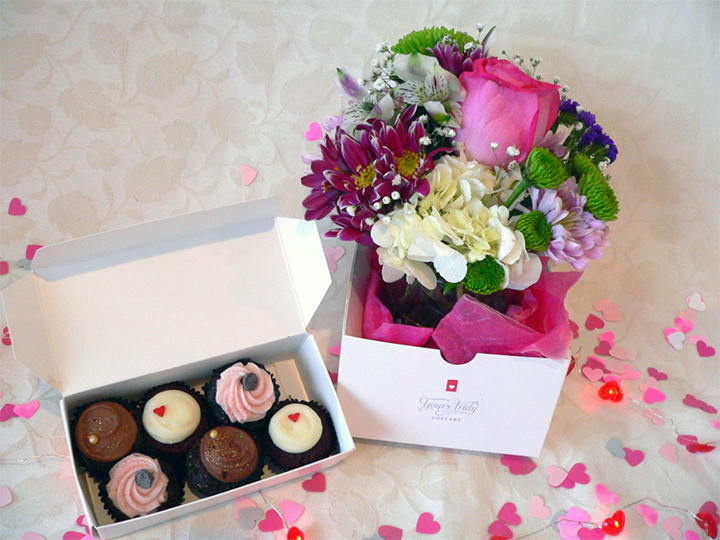 Cupcake and Flowers